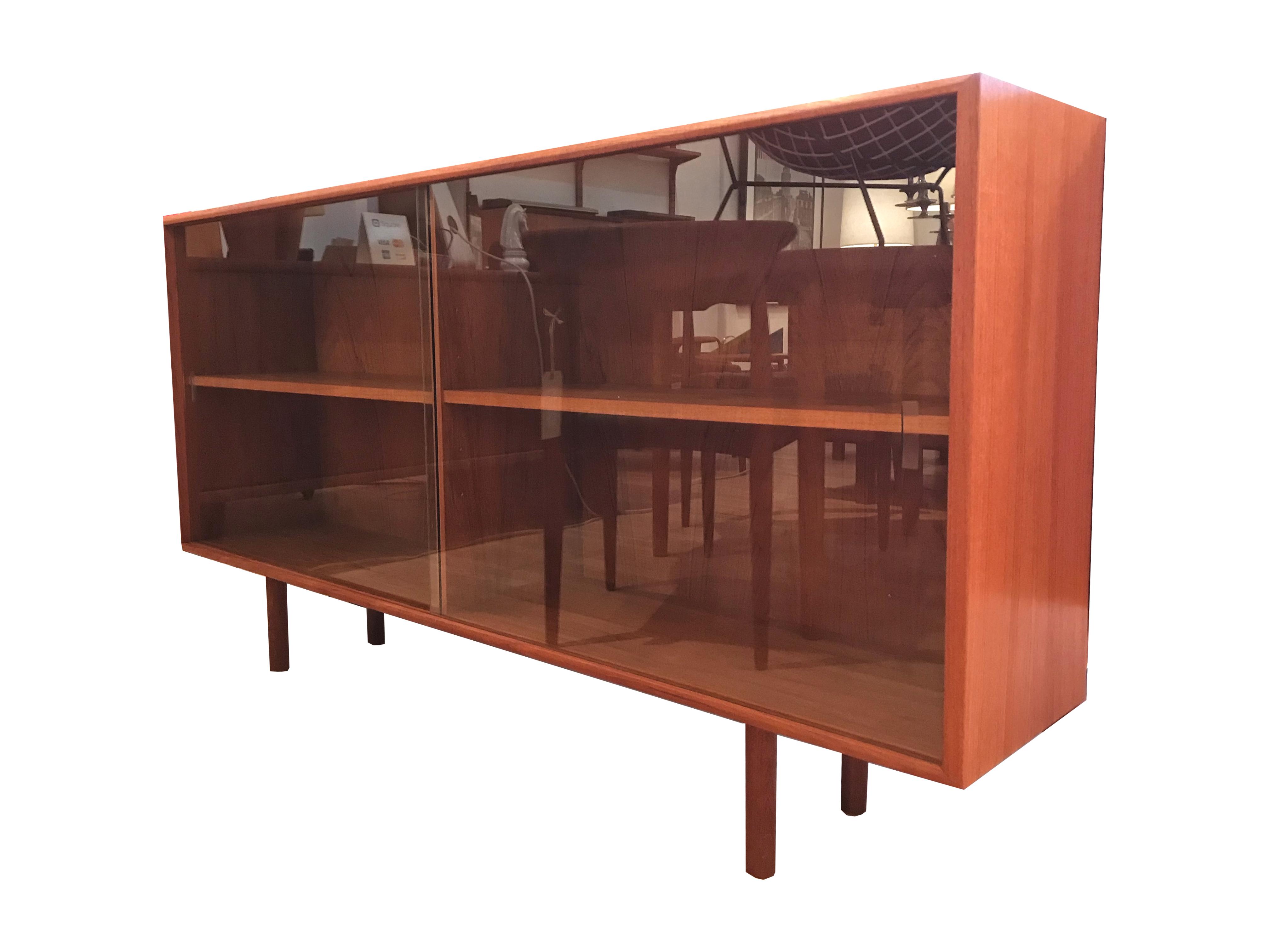 Bibliothèque vitrée en teck 60's