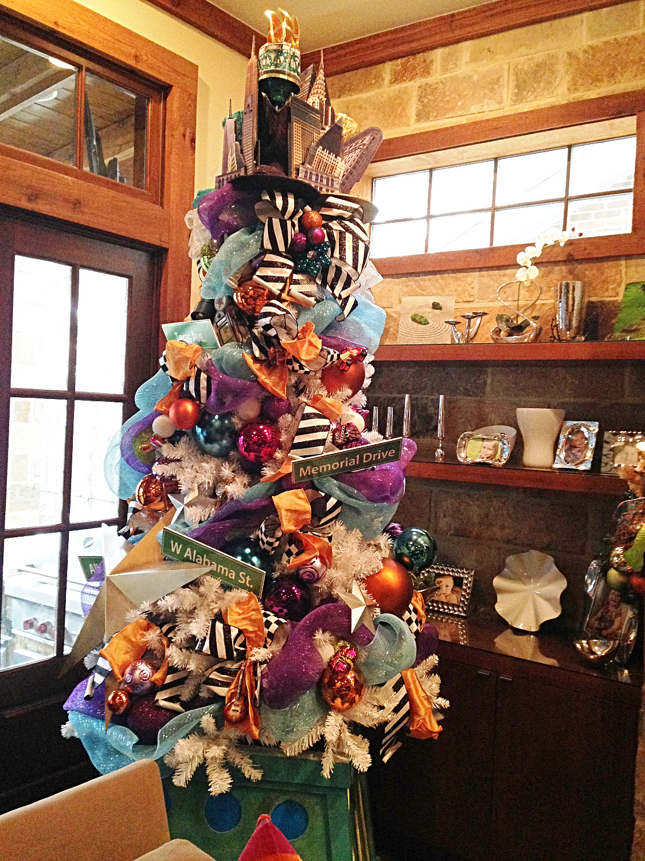 NYC & TX Christmas Tree Home 4