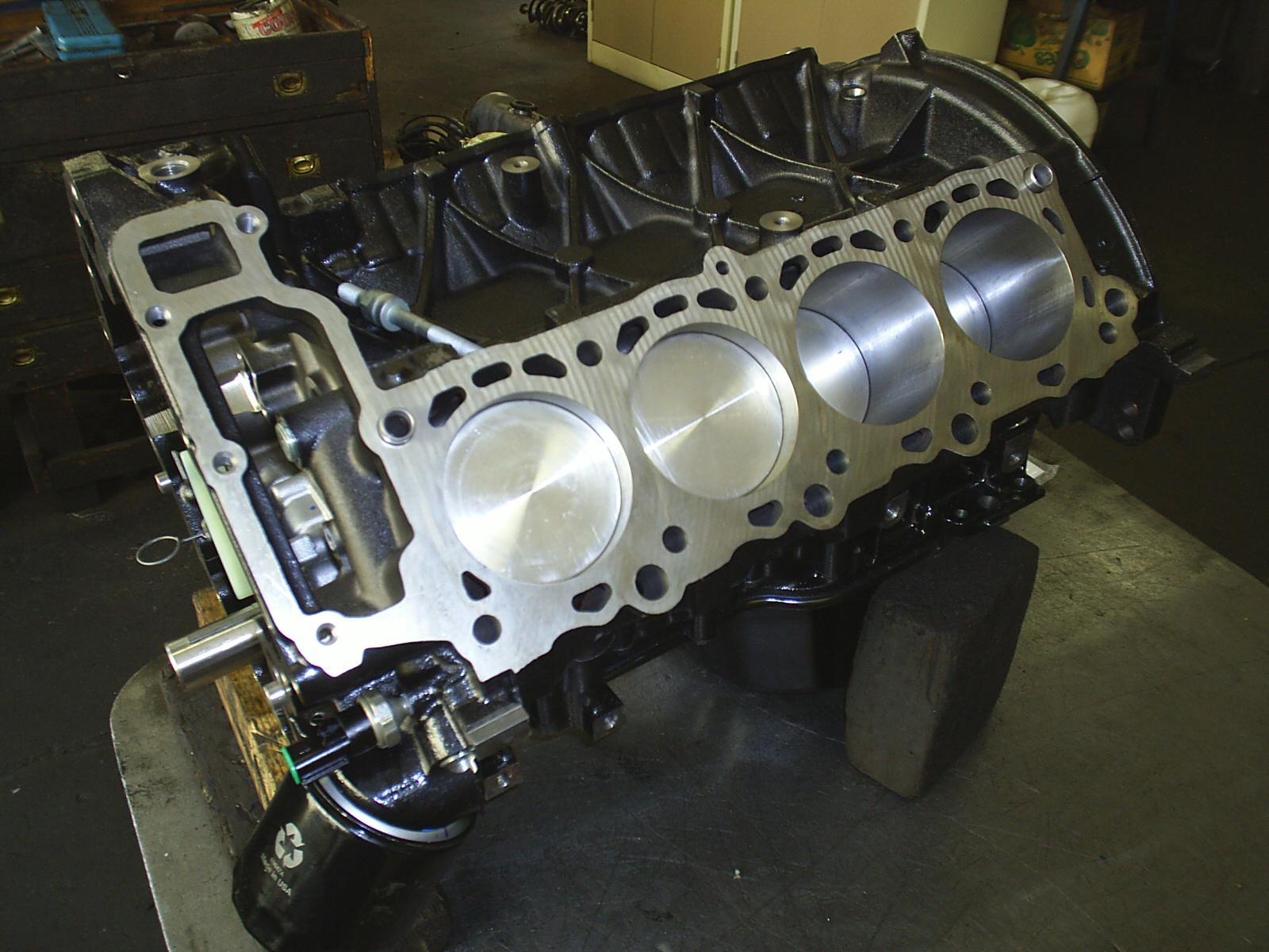 V8 motor 2