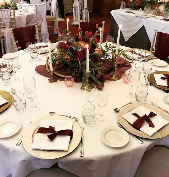 Autumn inspired wedding table decor. #au