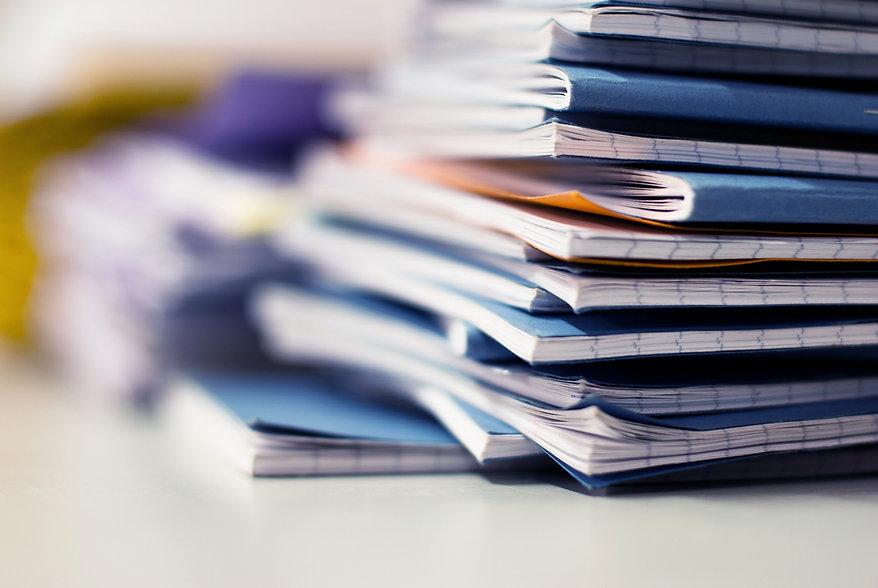 Pilha de cadernos