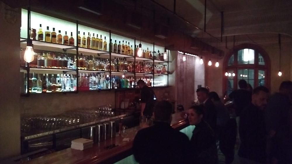 Shout Brasas & Drinks en Maipú 981 - Ciudad de Buenos Aires