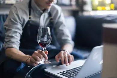 Cursos a distancia para los amantes del vino