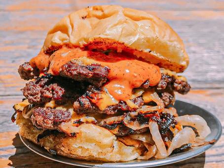 Súper hamburguesas a $200 en el Burger Day