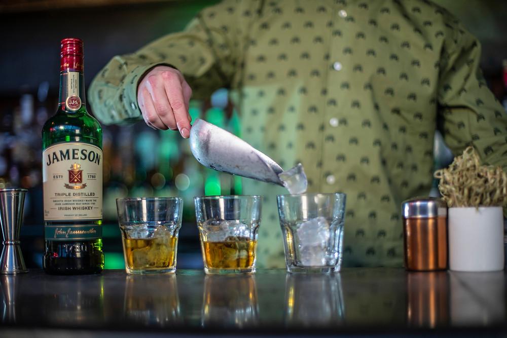 tragos con whiskey para celebrar San Patricio