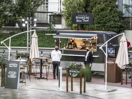 Bianchi sale a brindar experiencias con su Wine Truck