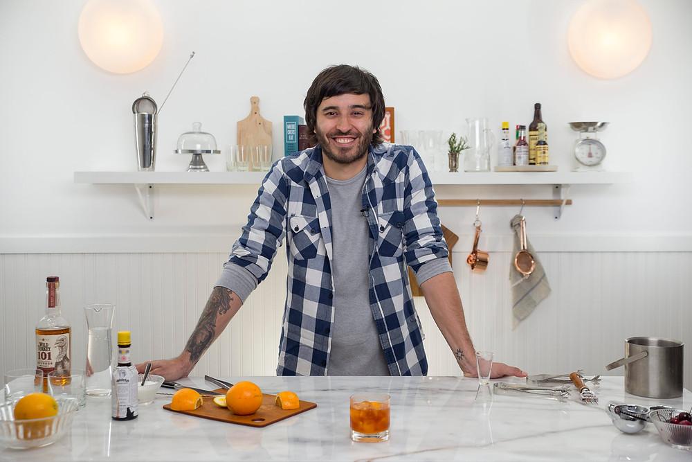Sebastián Atienza, bartender de 3 Monos