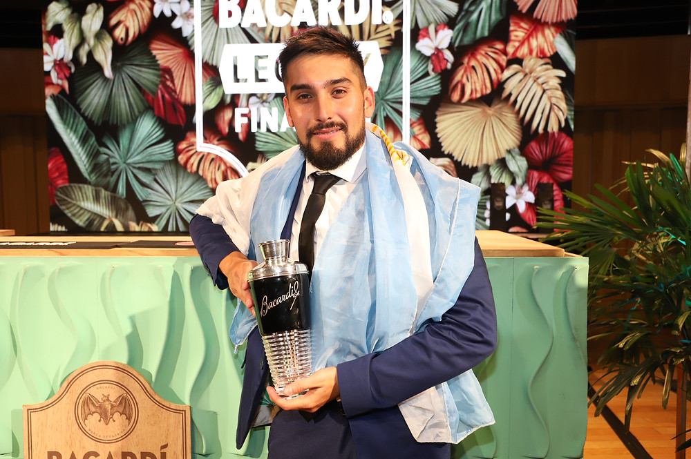 Nicolás Erazun, ganador del Bacardí Legacy