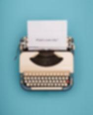typewriter-header-picture-id649544350.jp