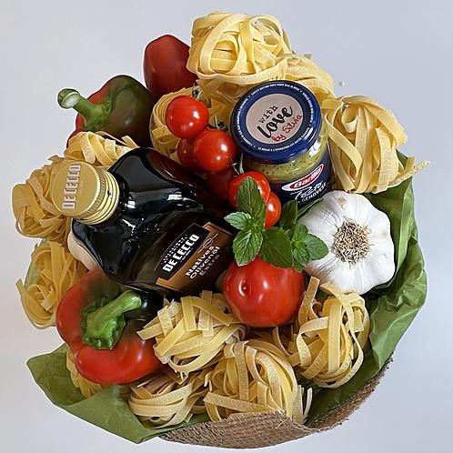 Pasta mit Pesto Strauß