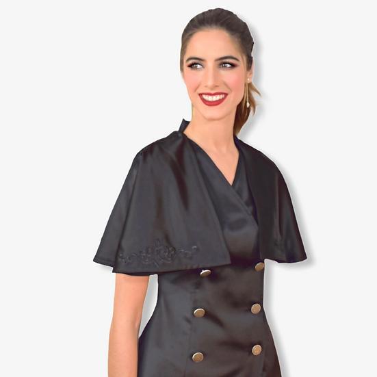 Robe Nona en noir profond satinée avec cape brodée