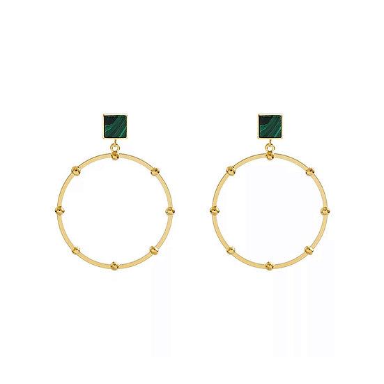 Boucles d'oreilles Hâpy, créole, pierre de naissance verte et métal doré à l'or