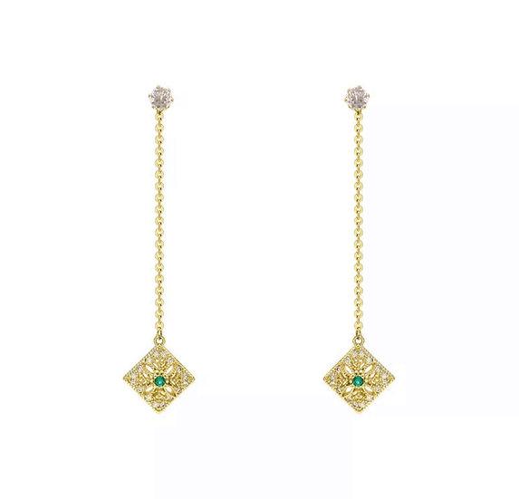 Boucle d'oreille Horus, pierre verte émeraude, doré à l'or fin