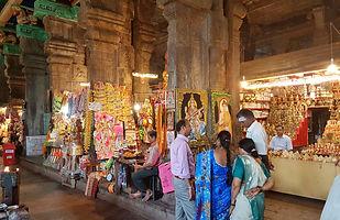 Bazaar_inside_the_Meenakshi_Temple,_Madu