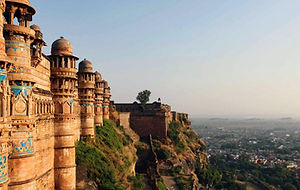 Gwalior-Fort-Tom-Parker-1366x768.jpg