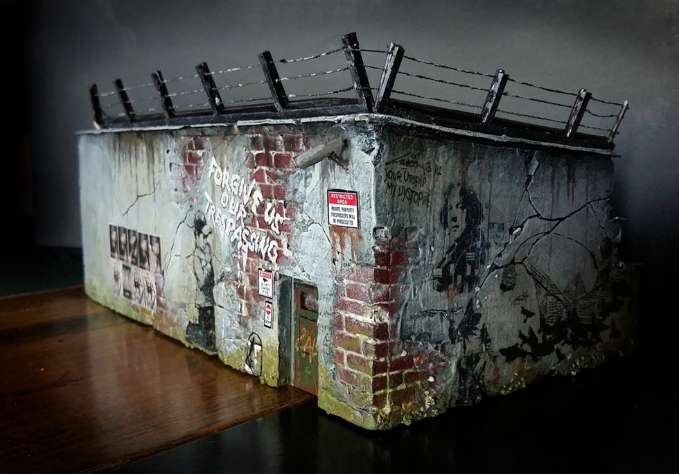 Bemalung mit Graffities, Anbringen von Drahtaufbauten