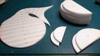 Cutting semicircles for the later basic structure of the head