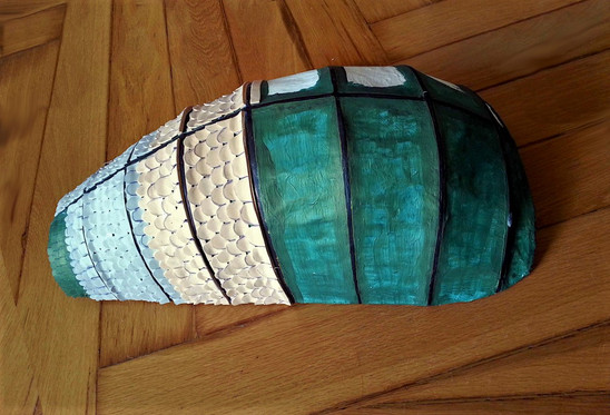 Verkleidung des Rückenpanzers mit Moosgummischuppen