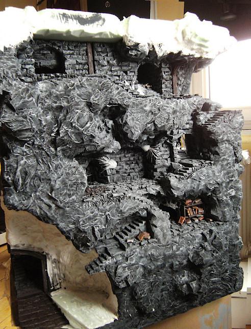Vollständig verklebte Platten mit noch nicht fertig ausgestalteten Außengängen