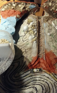 Fixing my dream pictures (cast in casting resin) and unpainted stones in the upper sedimentary area