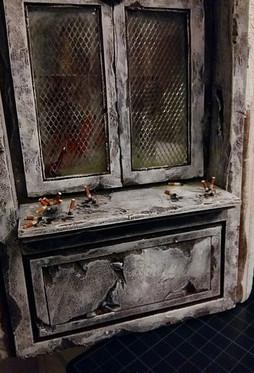 Verkleben auf der Fensterbank