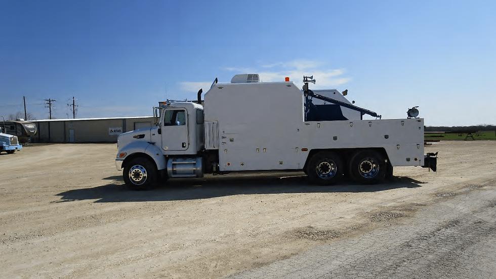 2011 Peterbilt 348 Wireline Truck (W-59)