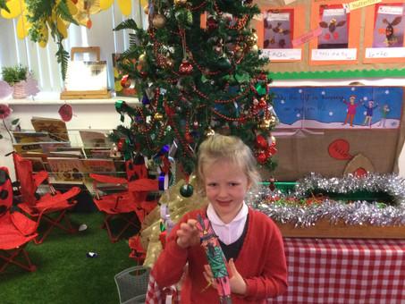 Christmas Craft Day fun in Class RJ