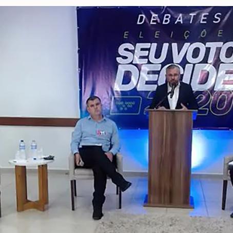 Cristian Rosa defende propostas de gestão, educação e geração de emprego em debate
