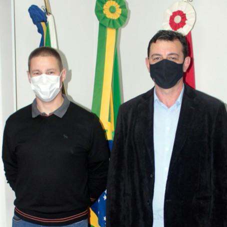Prefeito Gaiola se afasta e Enisson Recco assume o governo de Jacinto