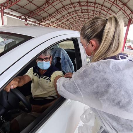 Sombrio vacinará todos os idosos acima de 60 anos na quinta-feira