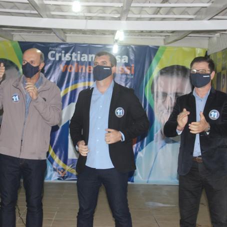 Cristian e Volnei fizeram ação no comitê durante o final de semana
