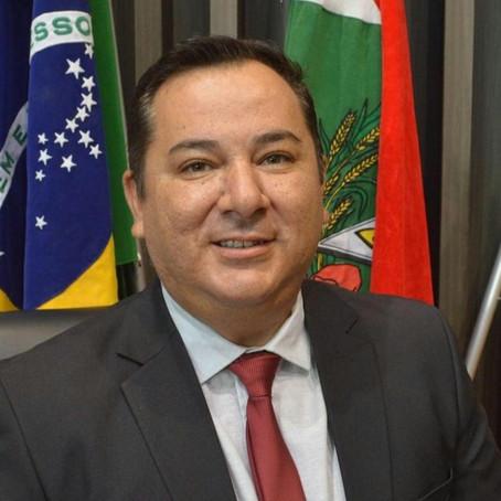 Vereador licenciado de Araranguá testa positivo para Covid-19