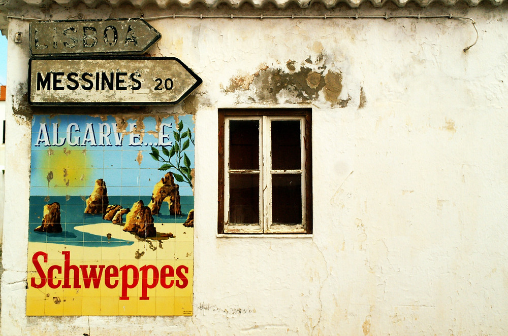Sena gėrimo Schweppes reklama
