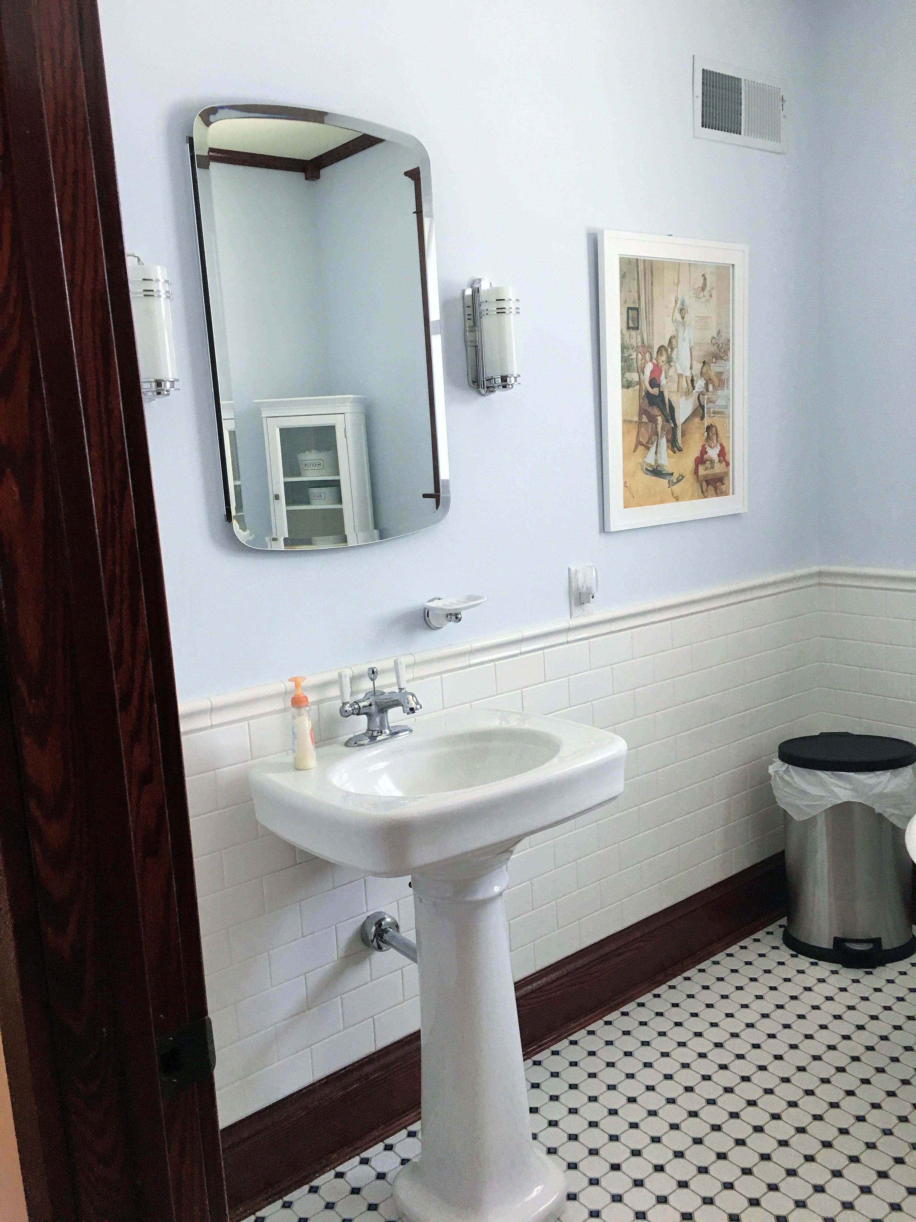 19-Main Bath
