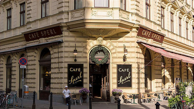 Cafe-Sperl-cosa-vedere-a-vienna_edited.j