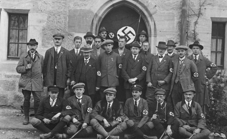Delegazione-Nazista- Corburg-1935