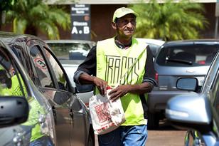 Brasília ganha revista cultural dedicada a ajudar morador de rua