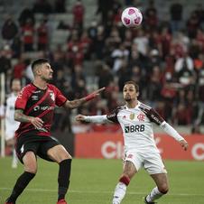 Flamengo arranca empate com Athletico-PR na Arena da Baixada