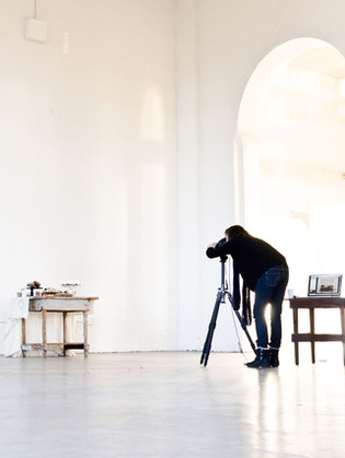 WHAT NO ONE EVER TOLD ME: The Un-Written Rules of Assisting on a Photoshoot.