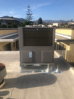 Down Discharge Roof Top Unit