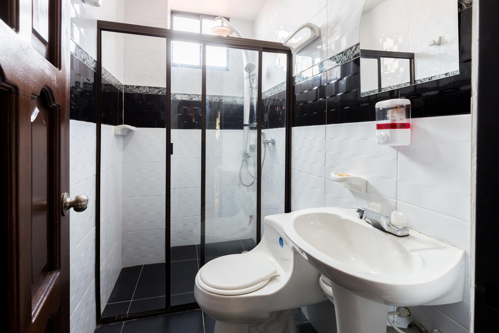 bathroom apartment in san gil