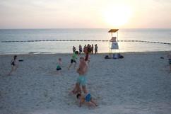 Une petite baignade à la plage