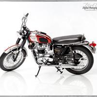 TRIUMPH BONNEVILLE 750cc