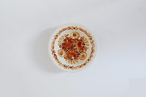 茶色い花の小皿