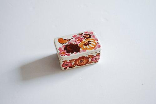 コトリと花の陶器ケース