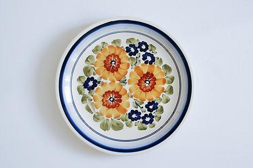 黄色と青の花のプレート