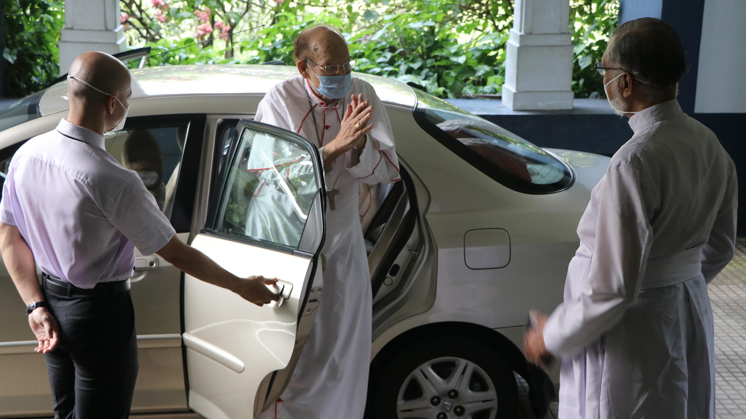 Cardinal Arrives at St. Pius X