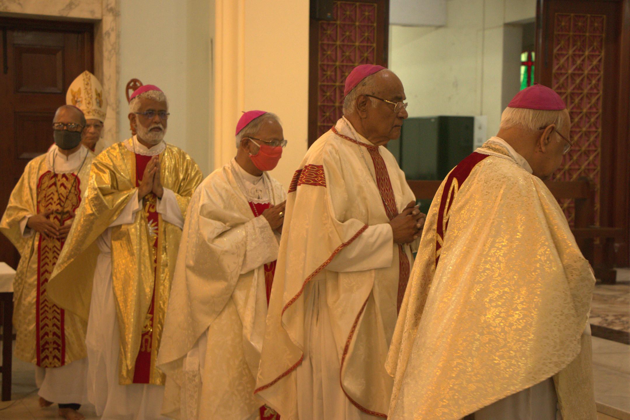 Holy Eucharist begins
