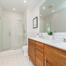 302-Master Bathroom