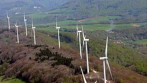 le Lomont: le site éolien très bel endroit de randonnée.